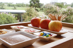 苹果甜用焦糖 库存图片