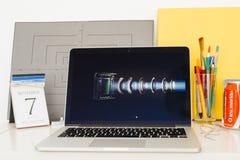 苹果电脑网站陈列的iPhone specs 免版税图库摄影
