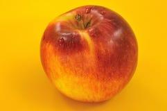 苹果背景红色黄色 库存图片