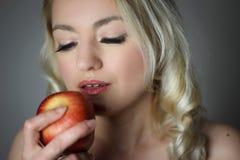 苹果艺术biblic第一种格式例证知识罪孽被采取的结构树向量妇女 库存照片