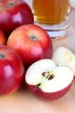 苹果苹果新鲜的汁 库存照片