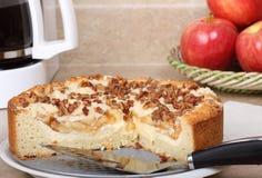 苹果蛋糕咖啡螺母 免版税库存照片