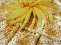 苹果蛋糕报道了果冻片式 图库摄影
