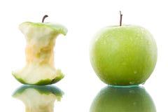 苹果被咬住的新绿色 图库摄影