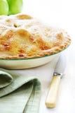 苹果被烘烤的家庭饼 库存图片