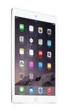 苹果计算机变成银色与iOS 8的iPad空气2,设计由苹果计算机公司 免版税库存图片