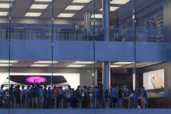 苹果计算机商店显示 库存照片