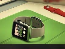 苹果计算机手表,商店 图库摄影
