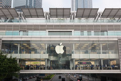 苹果计算机正iPhone 6和iPhone 6 库存图片