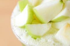 苹果计算机茶牛奶 免版税库存照片