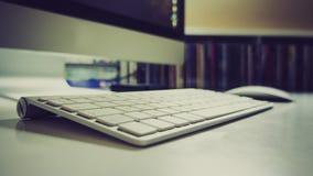 苹果计算机蓝牙键盘 库存图片