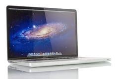 苹果计算机赞成MacBook 库存图片