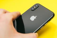 苹果计算机Iphone x旗舰智能手机 免版税库存图片