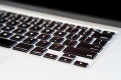 苹果计算机Macbook赞成2014年键盘特写镜头 免版税图库摄影