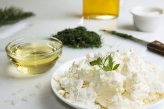 苹果酱 酸奶干酪用切好的茴香和橄榄油 免版税库存图片