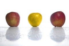 苹果金子 免版税库存图片