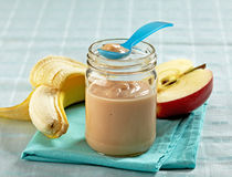 苹果香蕉纯汁浓汤 免版税图库摄影