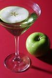 苹果马蒂尼鸡尾酒 免版税库存照片