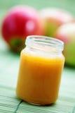 苹果婴儿食品 免版税库存图片