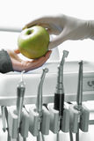 苹果stomatologic工具 免版税库存图片