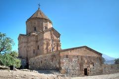 范,土耳其- 2013年9月30日:圣洁十字架(Akdamar Kilisesi)的大教堂在Akdamar (Aghtamar)海岛上 库存照片