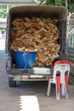 范car用面包充分地装载 免版税图库摄影