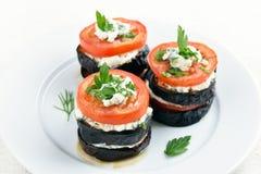 茄子、蕃茄和凝乳酪开胃菜 免版税库存照片