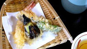 茄子、虾和辣椒天麸罗  免版税库存照片