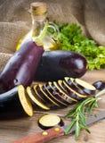 茄子和橄榄油 库存图片