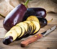 茄子和橄榄油 免版税库存图片