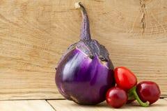 茄子和胡椒 免版税图库摄影