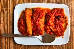 茄子和caciocavallo乳酪卷 传统Apulian盘 Salento意大利 免版税库存照片