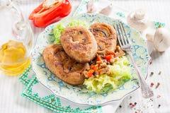 茄子炸肉排充塞用蘑菇和胡椒 库存照片