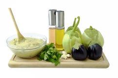 茄子纯汁浓汤沙拉和成份 免版税库存图片