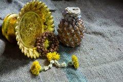 茉莉花诗歌选凋枯了泰国样式和菠萝和帕纳falli 免版税库存图片