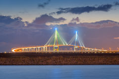 茵契隆桥梁日落在晚上, Seouth韩国 库存图片