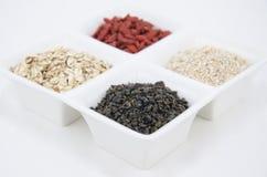 绿茶、燕麦和goji 库存图片