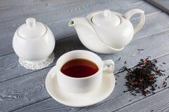 茶与茶壶的 顶视图 图库摄影