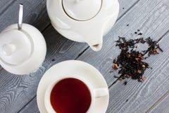 茶与茶壶的 顶视图 免版税图库摄影