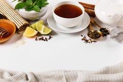 茶具和调味品的安排 库存照片