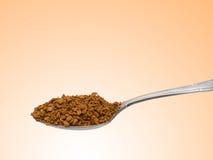 茶匙用被颗粒化的速溶咖啡 库存照片