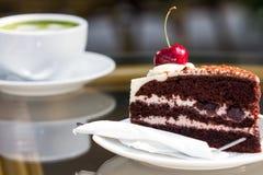 绿茶和乳酪蛋糕 库存图片