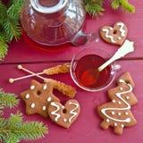 茶和圣诞节曲奇饼 免版税图库摄影