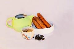 茶和快餐 免版税图库摄影