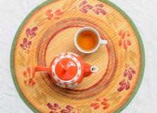 茶和茶壶 免版税库存图片