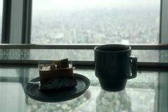 茶和蛋糕 免版税库存照片