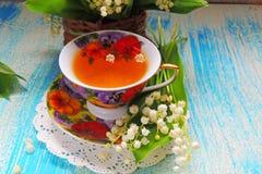 茶和铃兰 库存照片