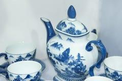 茶固定蓝色的瓷 免版税库存照片