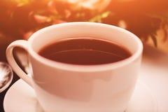 茶在表的 早餐时间 与火光的食物照片 免版税库存照片