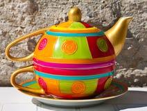 茶壶和杯子 免版税库存照片